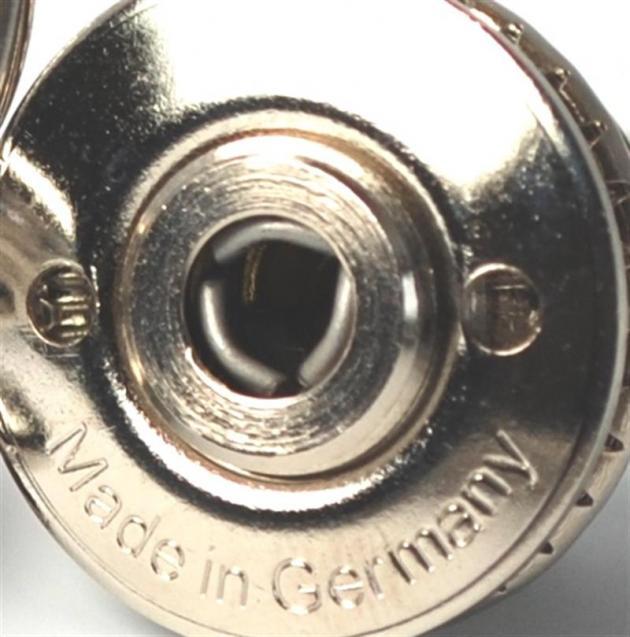 T02no der Original Knopf HD vernickelt für Oldtimer von ca.1928-1960