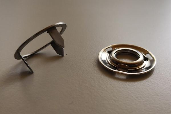 T25ts Teppichdruckknopf 4 tlg. Oberteil tepi + Unterteil + Schraube